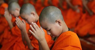 Thailandia bambini monaci